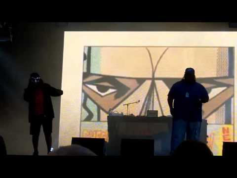 MF DOOM  - All Caps / Curls / Figaro (Live at Flow Festival, 12/08/2011)