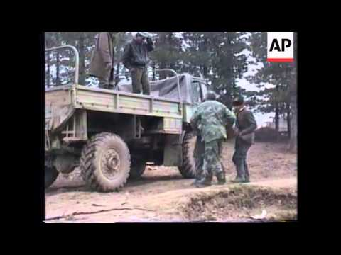 BOSNIA: SERBIAN SOLDIERS WITHDRAW FROM STOLICE MOUNTAIN