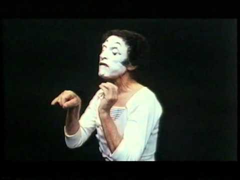(Marcel Marceau)  Marselis Marso . Mime artist .