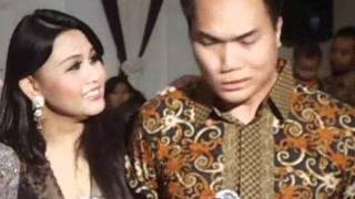 Perkawinan Nia AFI-2 di Surabaya