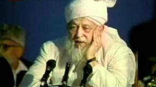 Can Ahmadis offer prayers behind non Ahmdis?