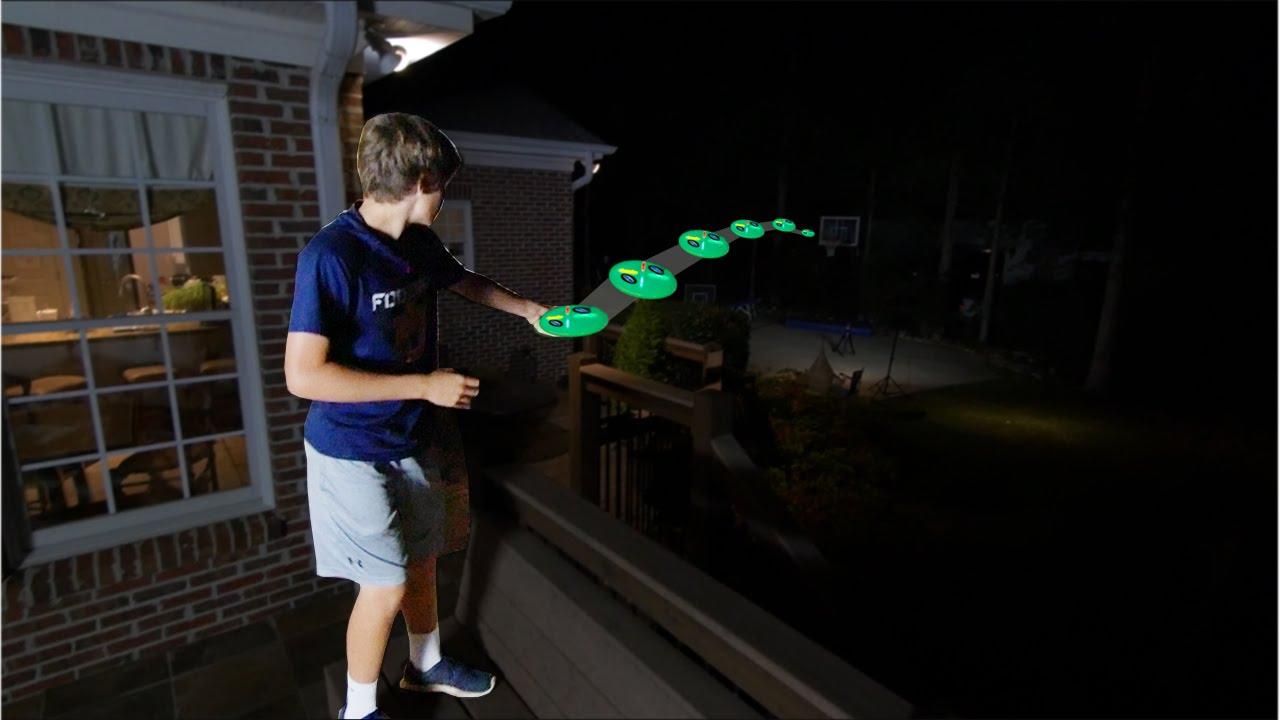 Glow in the Dark Frisbee Trick Shots! - Lyks