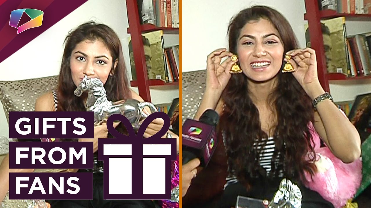 Sriti Jha Receives Birthday Gifts From Her Fans