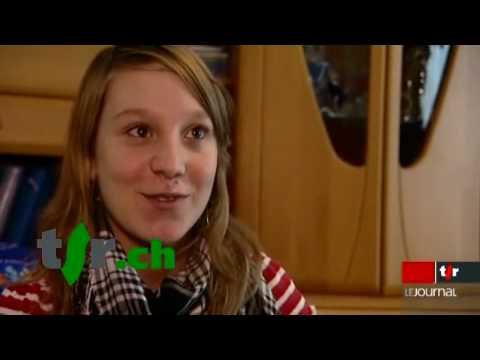 Mamans l 39 accouchement domicile doovi for Accouchement a la maison youtube