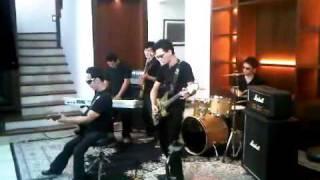 Gambar cover Lelah   Erry Band