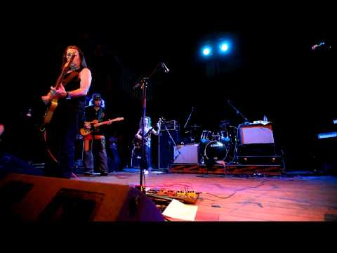 Pavlov's Dog - Julia Live in Lisboa