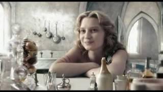 Алиса и Белая Королева - фрагмент фильма