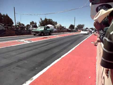 Chevrolet vs Corvette drag racing