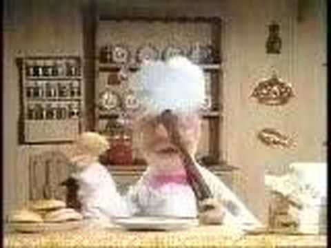 Muppet Show - Swedish Chef - making donut
