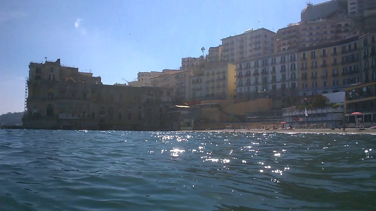 Panorama Palazzo Donn\'Anna - Bagno Elena - Napoli - Mai 2017 - YouTube