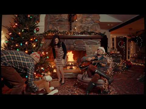 Ellen K Weekend Show - This New Christmas Song Has Us All In The Feels