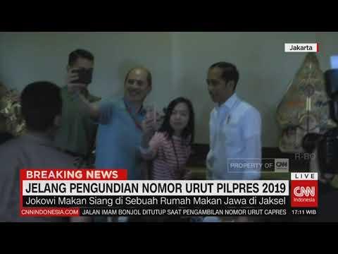 Jokowi Makan Siang di Sebuah Restoran di Jaksel, Layani Warga yang Ingin Selfie