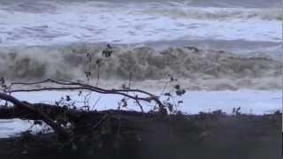 Vagues déferlantes sur la plage de Saint Cyprien dans les Pyrénées orientales