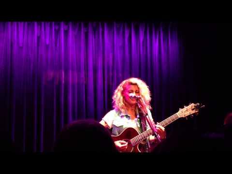 Upside Down - Tori Kelly (live) in Boston