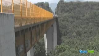 Noticieros Televisa Veracruz - Colocan malla para evitar suicidios en Puente de Metlac