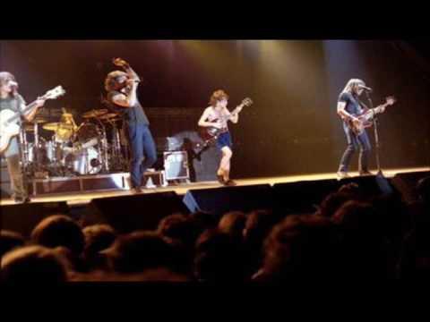 AC/DC [December 4th 1982] Rothonde Du Bourget, Paris, France {Live Audio}