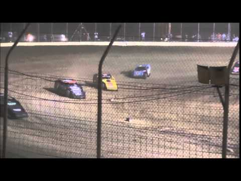 UMP $3,000 Modified Feature from Portsmouth Raceway Park 8/1/15.