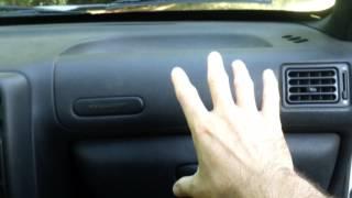 Bruit d'eau derrière la boîte à gants (106)