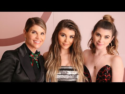 Lori Loughlin's Daughters NOT Kicked Out of Sorority, Despite Reports thumbnail