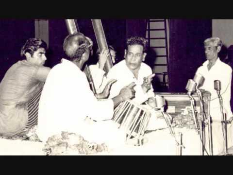 Pt. Bhimsen Joshi Raag Miya ki Todi, Ut. Shaik Dawood Tabla. 1978