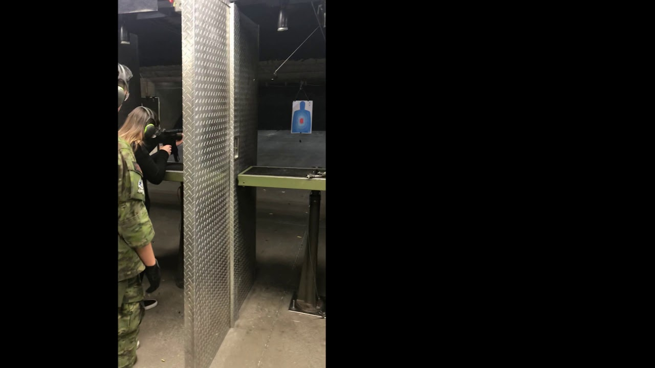 MP5 full auto shooting