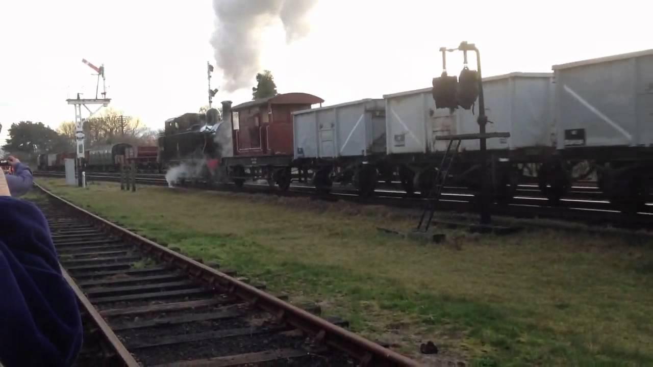 Jinty 47606 Working Freight Train
