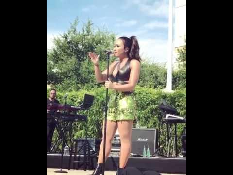Demi Lovato - Stone Cold at the Apple Infinite Live