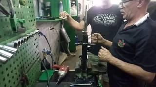 Закачка газа в амортизаторную стойку при помощи универсального оборудования SAR