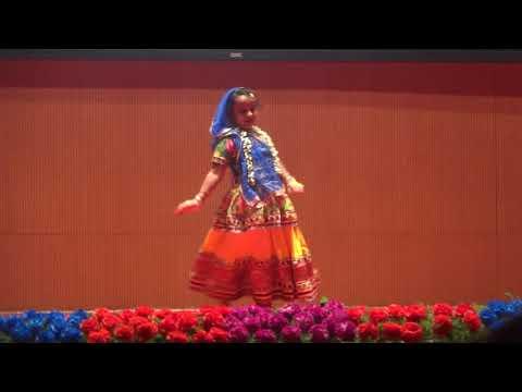 Komal Subhash  Kanhere Performing  Dance On Mohe Panghat And Kanha Soja Zara
