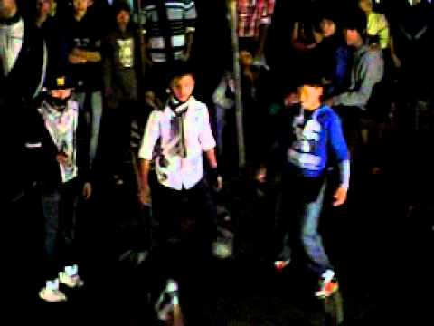 bebo bebo be- Awesome dance of teenage Nepali boys.