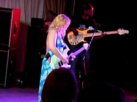 Chantel McGregor - Help Me - Crawdaddy Club 4 Aug 2011