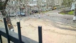"""Напротив детского сада забил """"коммунальный фонтан"""""""