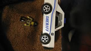 Entpacken einer Nachbarschaft von robloxia Streifenwagen Roblox Spielzeug