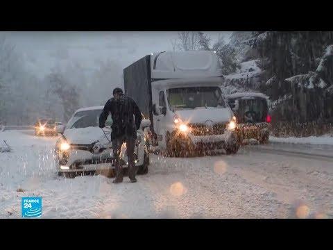 فرنسا: الثلوج تتسبب في وفاة شخص وانقطاع الكهرباء عن عدة مناطق وإلغاء رحلات القطارات  - نشر قبل 52 دقيقة