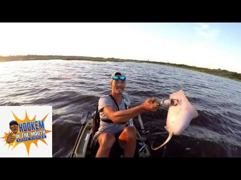 KAYAK FISHING INSHORE HOOKEM IN THE MOUTH KAYAK FISHING(Little Red Drummer Boy)