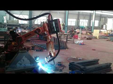 Использование сварочного работа GSK серии RH для производства такелажных тележек