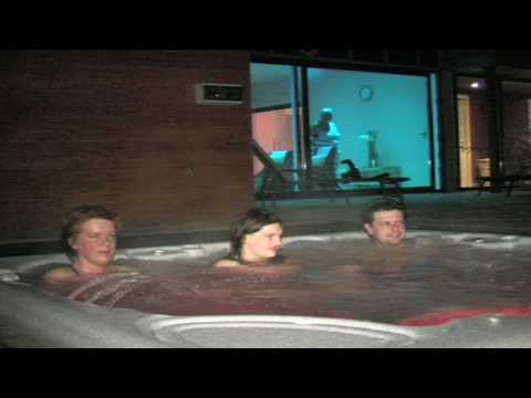 Jacuzzi ext rieur youtube for Jacuzzi enterre exterieur
