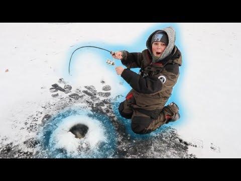 Hammering INSANE School Of Crappies! (ICE FISHING)