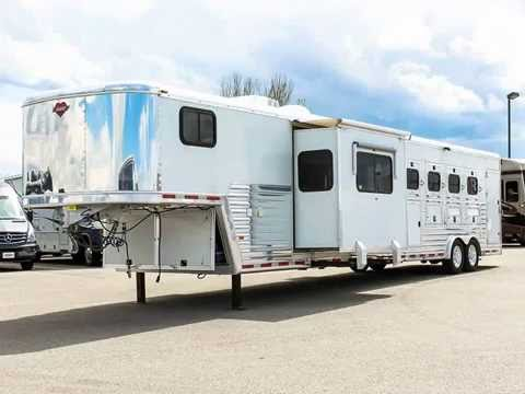 2004 hart 4 horse living quarters trailer transwest truck trailer