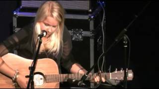 Roosmarijn plays........Blind Willy McTell (Bob Dylan)