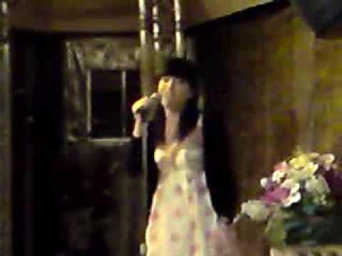 noela canta fallin´  (karaoke rias baixas-ourense)
