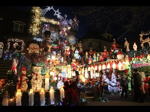 extreme decorations tour brooklyns dyker heights christmas houses youtube