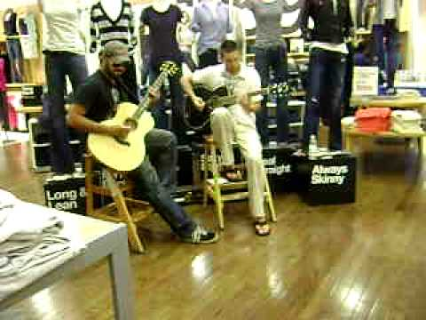 Acoustic at The Gap, Pentagon City Mall