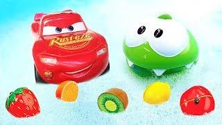 Сборник для малышей с игрушками Элаяс, Маквин и Ам Ням - Моем игрушки в пене