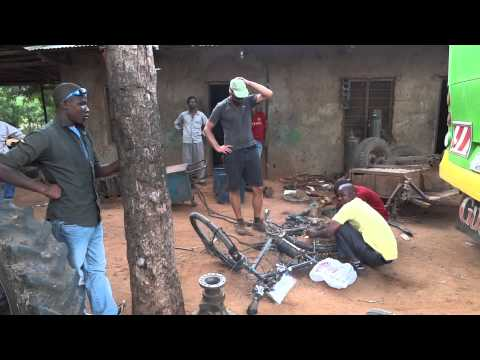 Tanzania, welding Ente's broken rear carrier