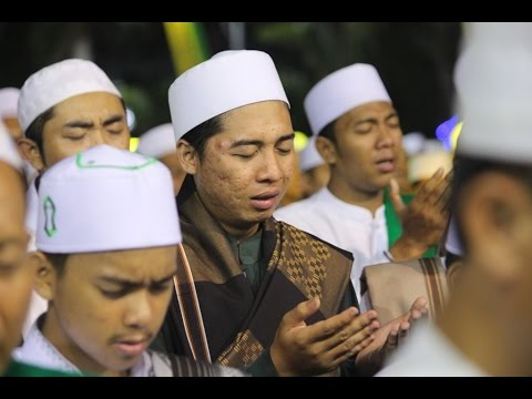 Allah - Allahu ~ Syiir Gresik ~ Busyrolana ~ Qomarun @ Gresik (16 April 2016) Majlis RIYADLUL JANNAH