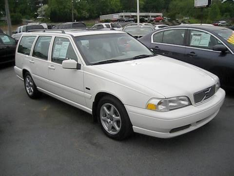 white volvo car