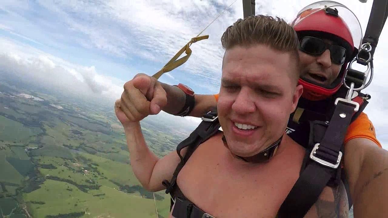 Salto de Paraquedas do Atila na Queda Livre Paraquedismo 06 01 2017