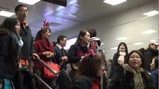 Flash mob Hallelujah 快閃吧哈雷路亞@Taipei City Hall Station 台北捷運市府站 2012.12.23