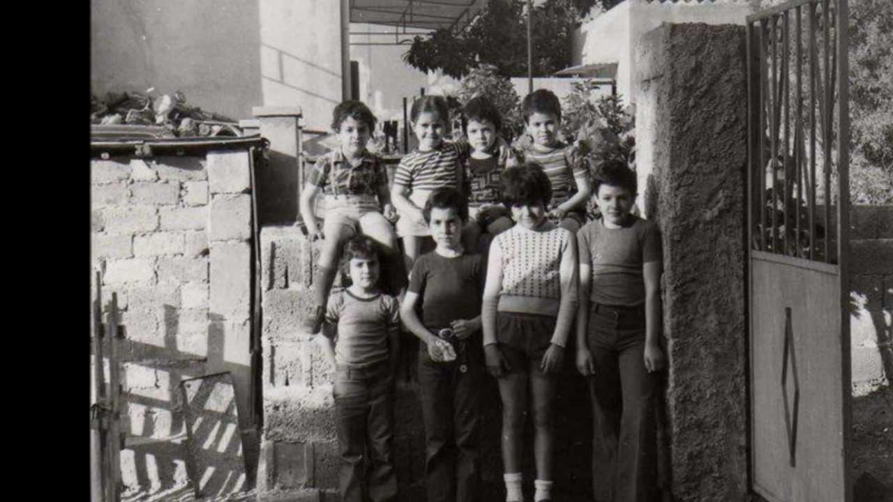 Noi che eravamo bambini a carbonia negli anni 70 80 youtube for Case anni 70